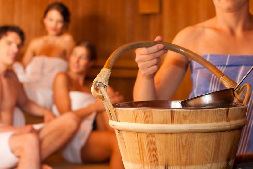 sauna oder dampfbad wellnissimo. Black Bedroom Furniture Sets. Home Design Ideas