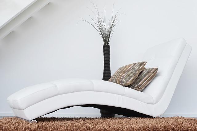 Mit Den Vier Einfachen Tools Licht, Farbe, Möbel Und Dekoration Ist Es  Problemlos Möglich, Sich Ein Zimmer In Der Eigenen Wohnung Zum  Entspannungsraum ...