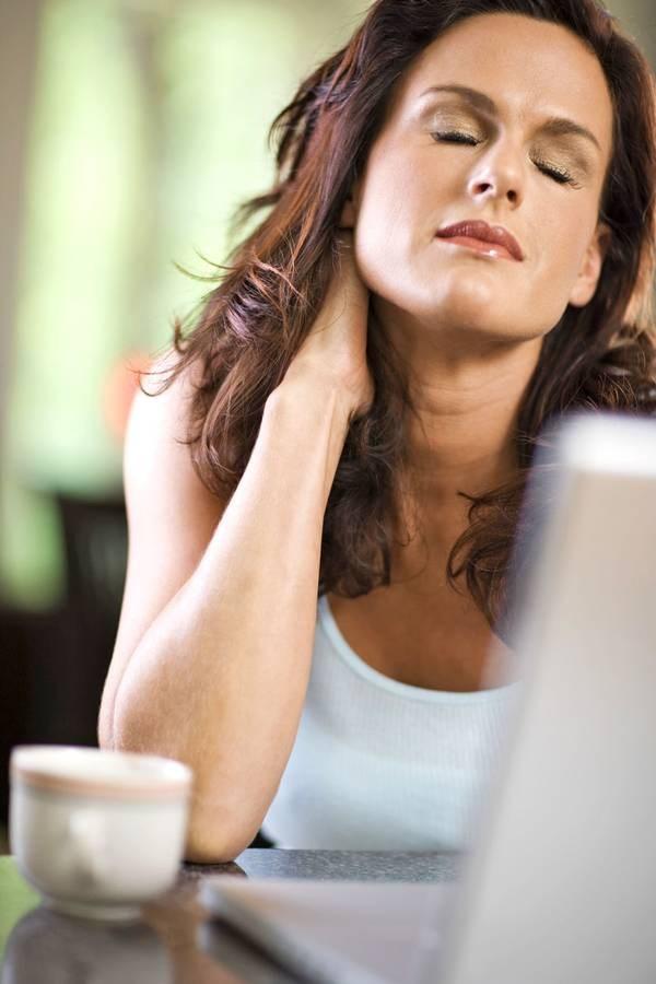 Schnelle Hilfe gegen verspannte Nacken- und Schultermuskeln ...
